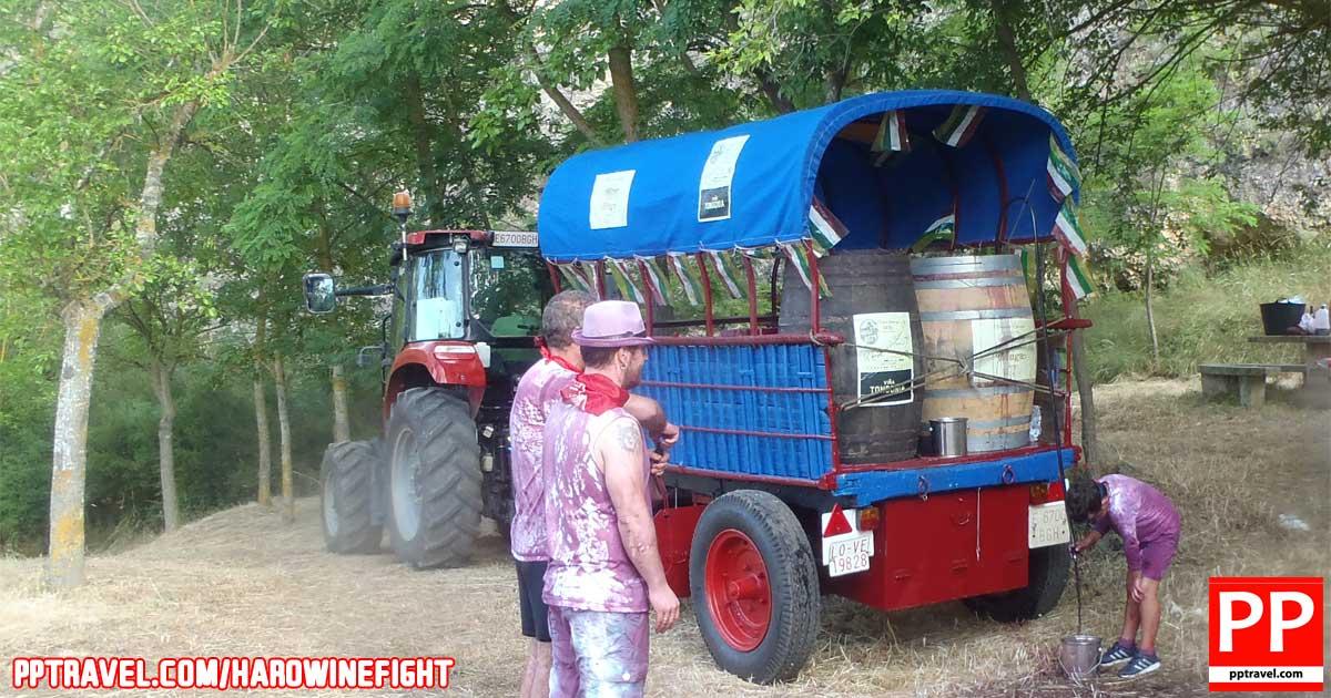 Getting to the Haro Wine Fight / Batalla del Vino