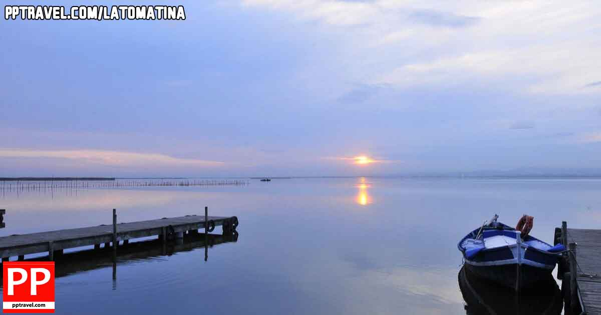 Stunning views and sunset at the Mirror of the Sky, Albufera Valencia
